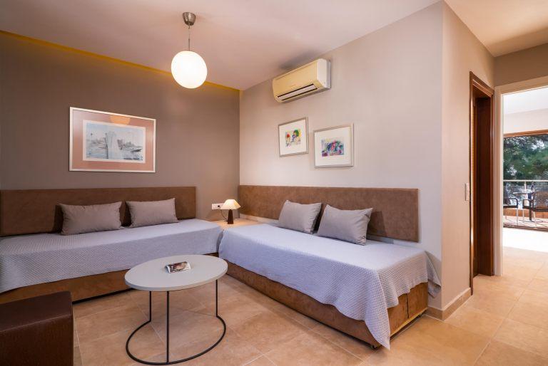 Deluxe-suite-room4