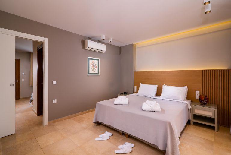 Deluxe-suite-room7